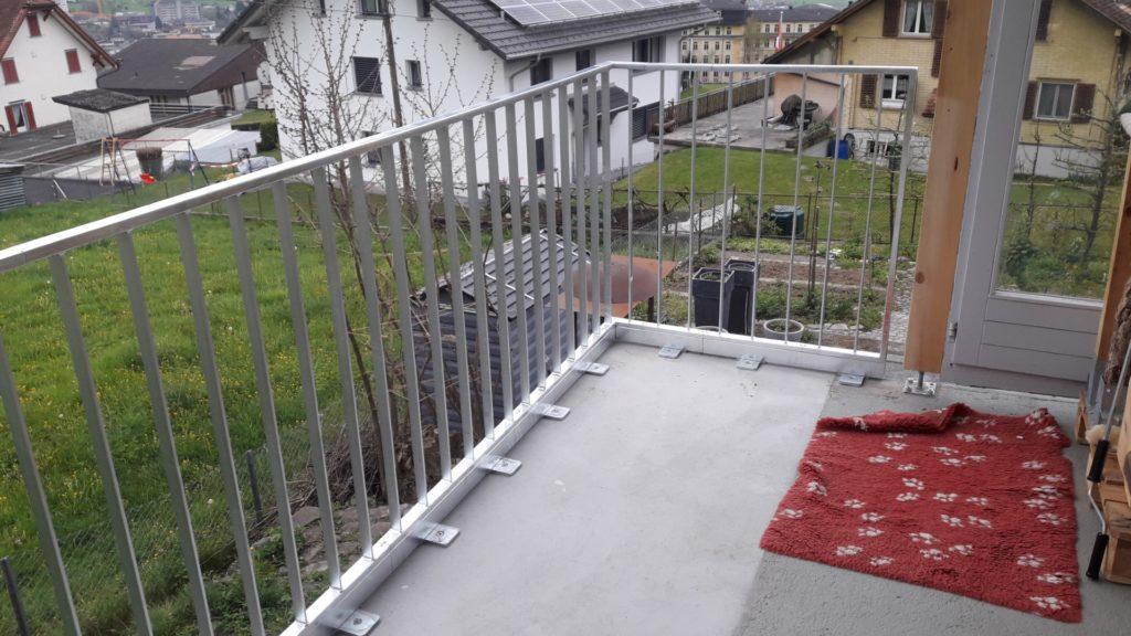 Geländer erhöht für Holzrost von innen