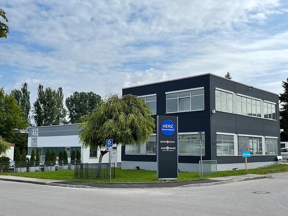 Firmengelände der geländerXpress.de GmbH in Herrsching am Ammersee